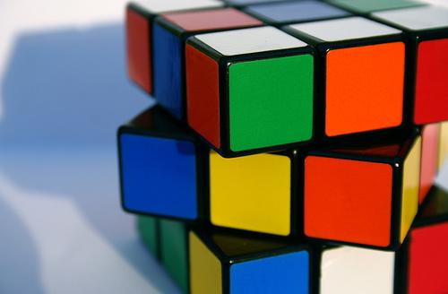 Guidare la moto è come risolvere il cubo di Rubik